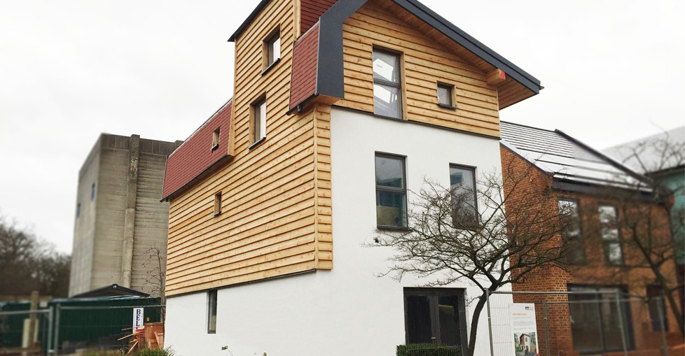 Acme clay tiles used for Pioneering Zero Bills home