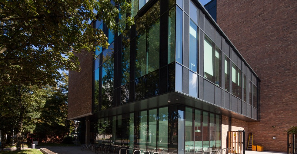Kingspan insulates services on visionary building