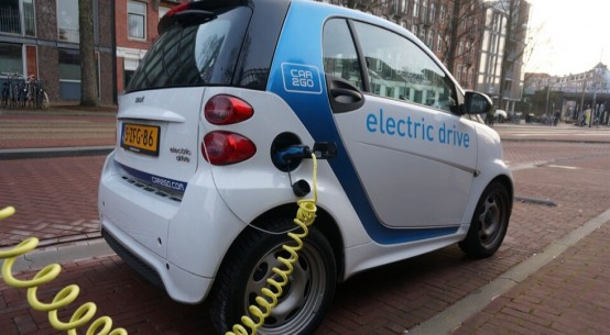 Can our towns and cities become electric car friendly in time?