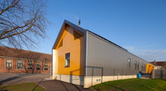 Kingspan TEK adds Excitement to School Dinners