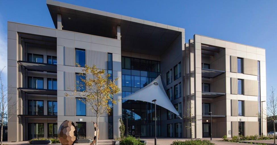 Kingspan Provides Tapered Roof Solution At Innovative Cambridge Offices
